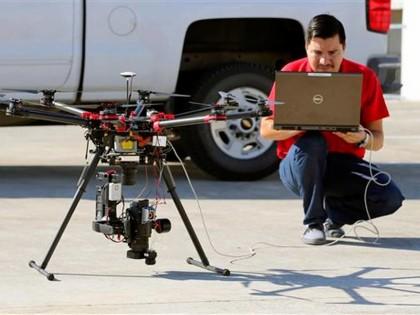 UAV monitoring ropných vrtů v Texasu