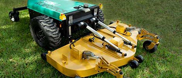Autonomní traktory využívající přesnou GPS / GNSS navigaci budou pracovat na polích stále častěji